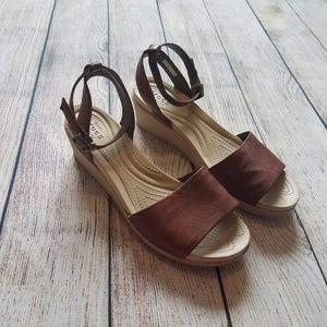 CROCS Tan Brown Wedge Sandal K